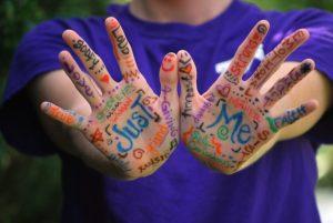 émotions sur les mains
